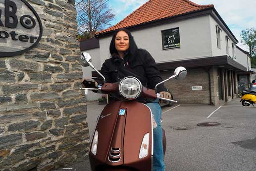 r&b-scooter-vespa-brun-ira